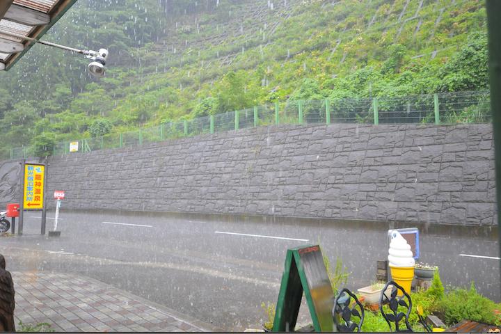 土砂降り(゚∀゚)