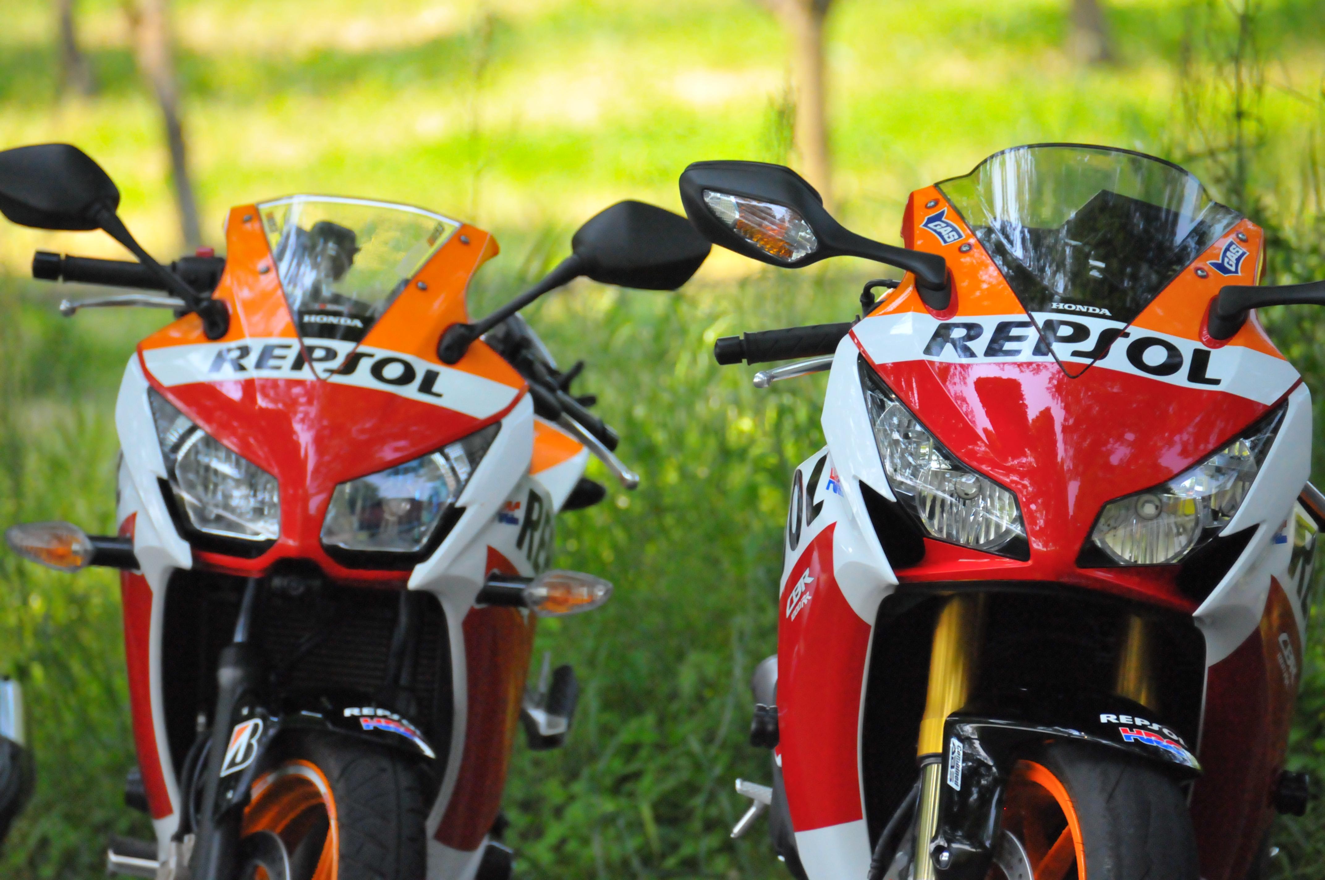 CBR250RとCBR1000RR