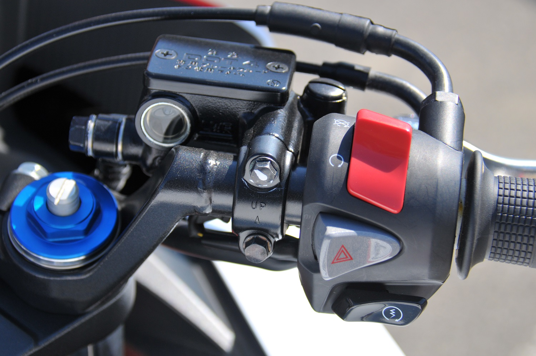 CBR250Rには装備されていないハザード