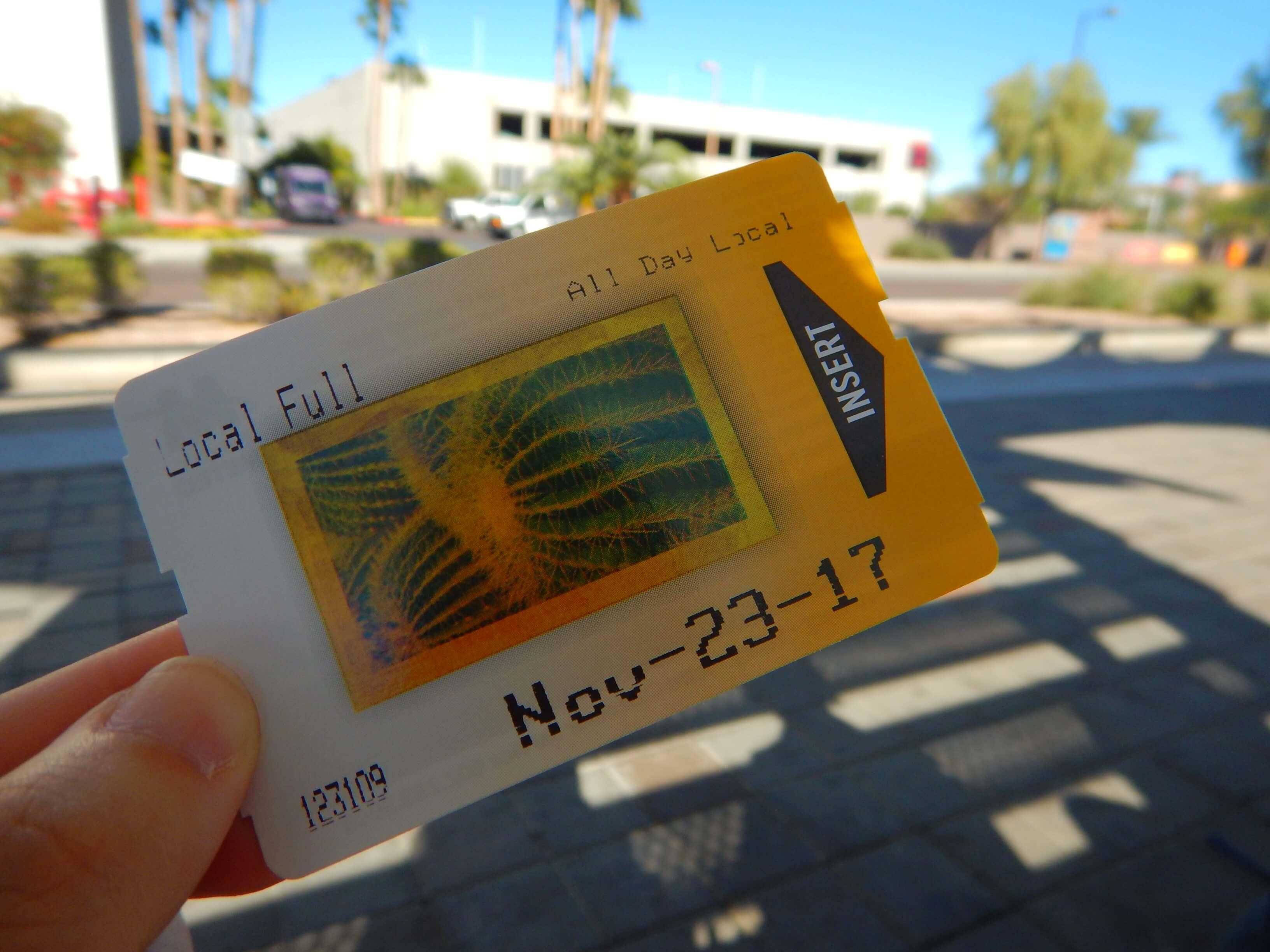 1日乗車券は4ドル(良心的価格)