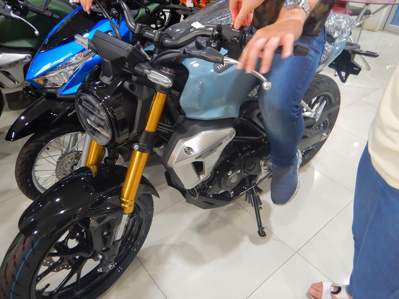 最近エンジン設計したバイクらしい