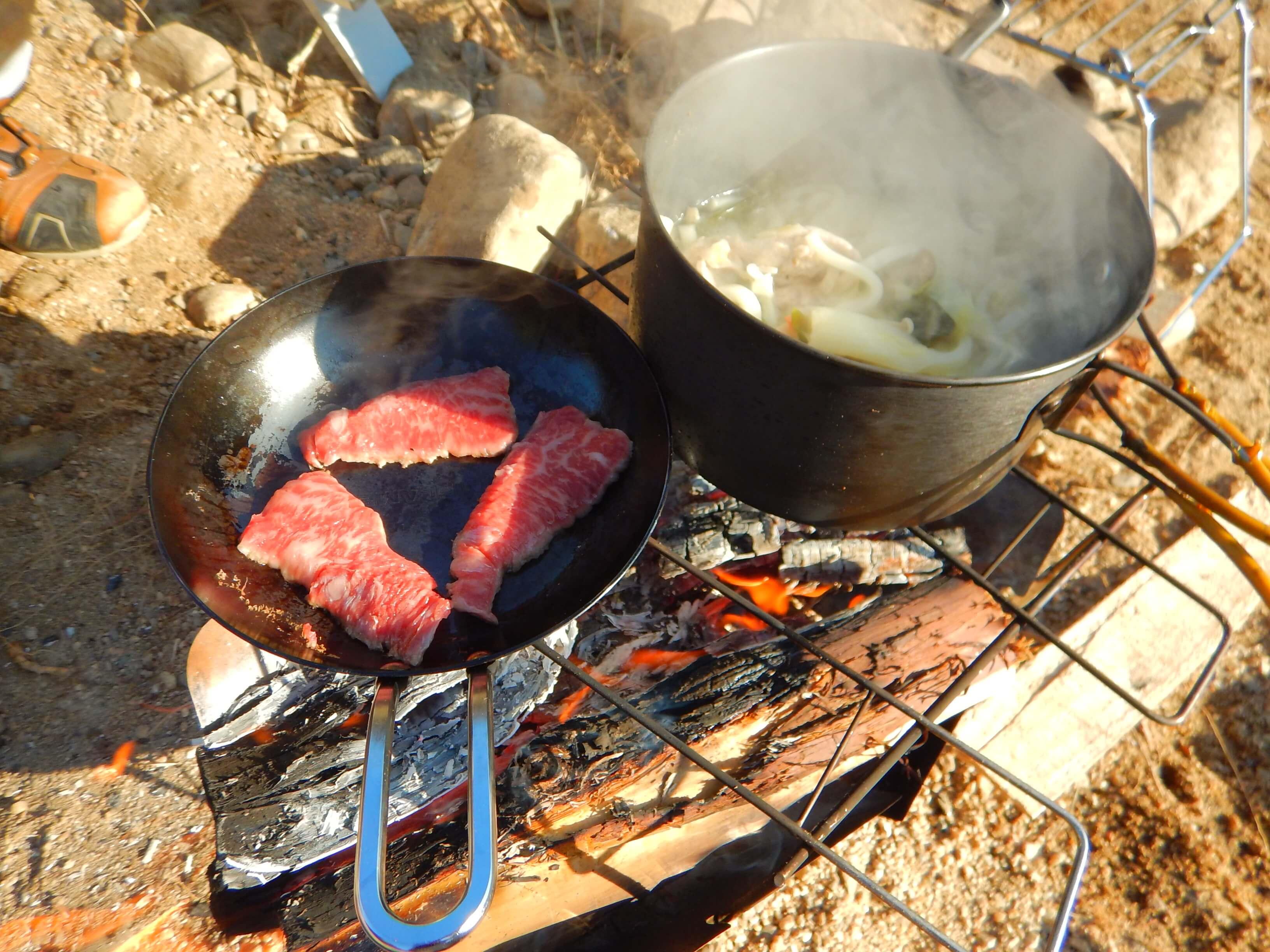 鍋の〆のうどん+焼肉食べるよ!